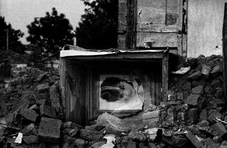 荣荣的废墟、碎片和婚纱系列: 1996-2000