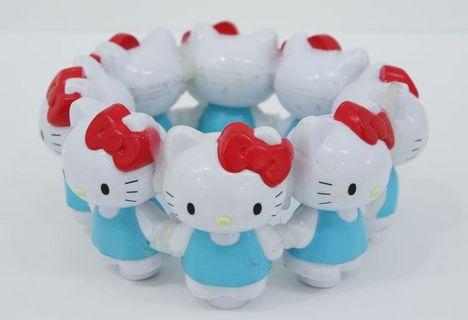 fuji_happyring_whitecat8_560-thumb-560x384-869.jpg