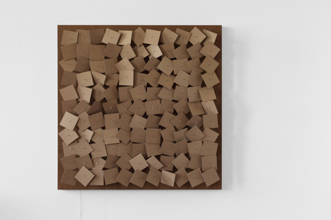 zimoun_2011_121_motors_cardboard_elements_01_5616x3744px_300dpi.jpg