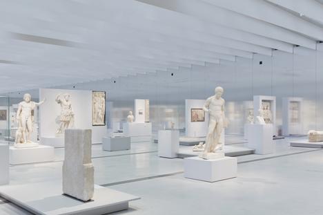 Louvre%20L%20SANAA%2012-12%202355.jpg