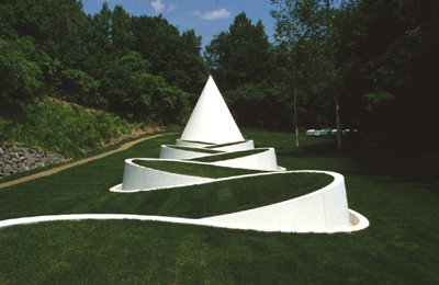 Way To The Hidden Garden / Dani Karavan © Sapporo Artpark Sculpture Garden