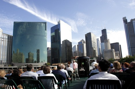 Architecture River Cruise. Courtesy of Chicago's First Lady © Chicago Architecture Foundation