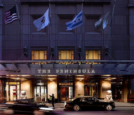 The Peninsula Chicago Front Entrance © The Peninsula Chicago