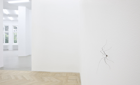 Pierre Huyghe, INFLUANTS, 2011. Installation views Esther Schipper, Berlin. Photo: Andrea Rossetti © Esther Schipper