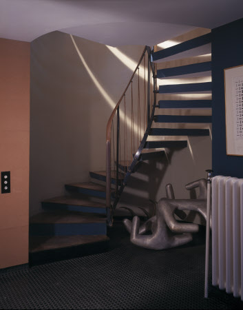 Winding staircase in 2 Willow Road, London © National Trust Images / Dennis Gilbert