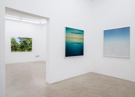 Installation View, Asako Shimizu 'On Her Skin', Naruki Oshima 'haptic green', NextLevel Galerie, 2013 ® F. Kleinefenn