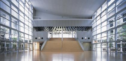 山口情報芸術センター (YCAM)