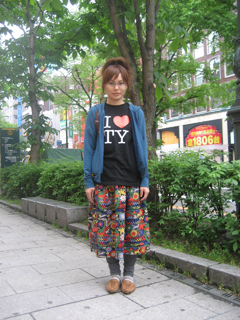 Girls Street Fashion Snap