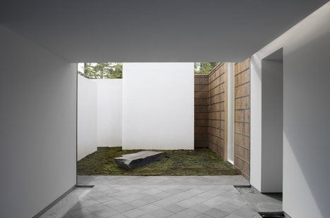 © Hiroshi Sugimoto / IZU PHOTO MUSEUM