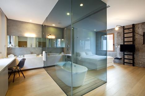 Waterhouse_Bathroom_centerpiece.jpg