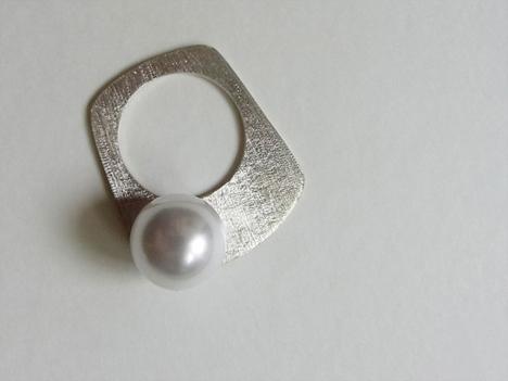 JUTIQU4_silverring9.jpg