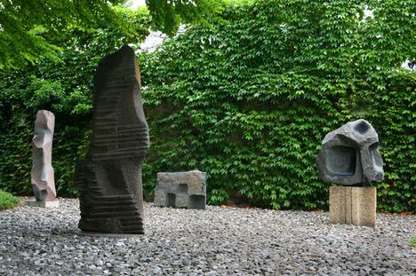 7%20Sculpture%20Garden%2C%20The%20Noguchi%20Museum%2C%20NY.jpg