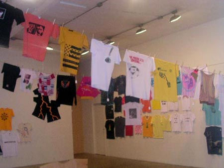 100 ARTISTS 100 T-SHIRTS
